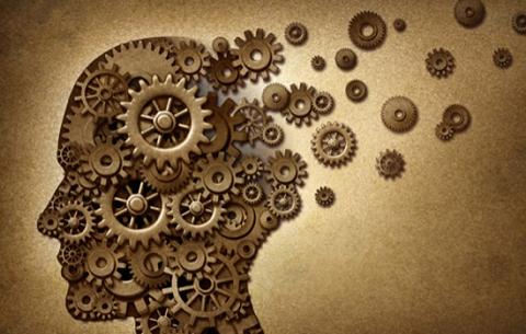 Photo of 11 مغالطة منطقية يقع فيها مروّجو نظرية المؤامرة