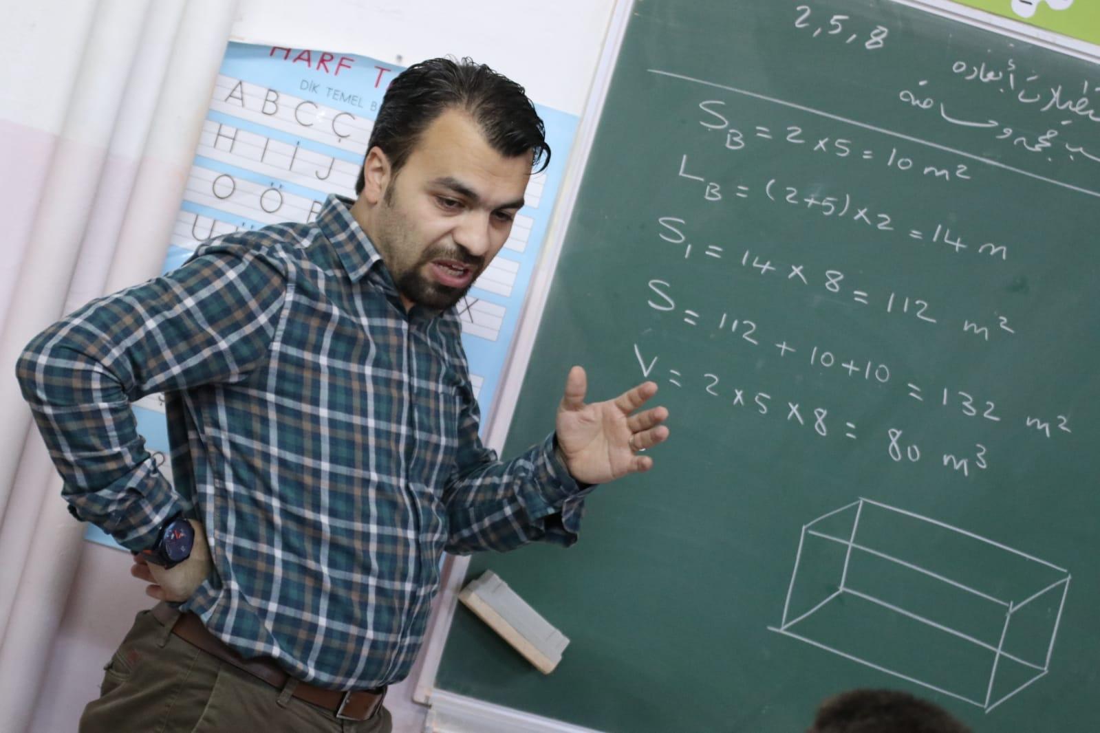 راغب-بكريش-يشرح-مسألة-رياضيات